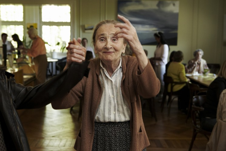A tea dance for victims of Alzheimer's